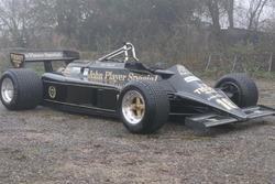 Lotus 87, на якому Найджел Менсел і Еліо де Анджеліс виступали у сезоні 1981 року