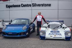 Презентація Porsche 911 Carrera 4 GTS British Legends Edition