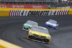 Даниэль Суарес, Joe Gibbs Racing Toyota и Джеффри Эрнхардт, The Motorsports Group Chevrolet