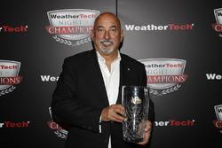 Bobby Rahal with VP Racing Fuels Front Runner award
