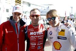 Гонщик Audi Sport Team Phoenix Лоик Дюваль, Ронни Квинтарелли и пилот BMW Team RMG Аугусту Фарфус