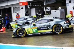 Экипаж №97 команды Aston Martin Racing, Aston Martin Vantage: Даррен Тёрнер, Джонатан Адам