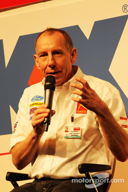 Andy Wallace, no Autosport Stage
