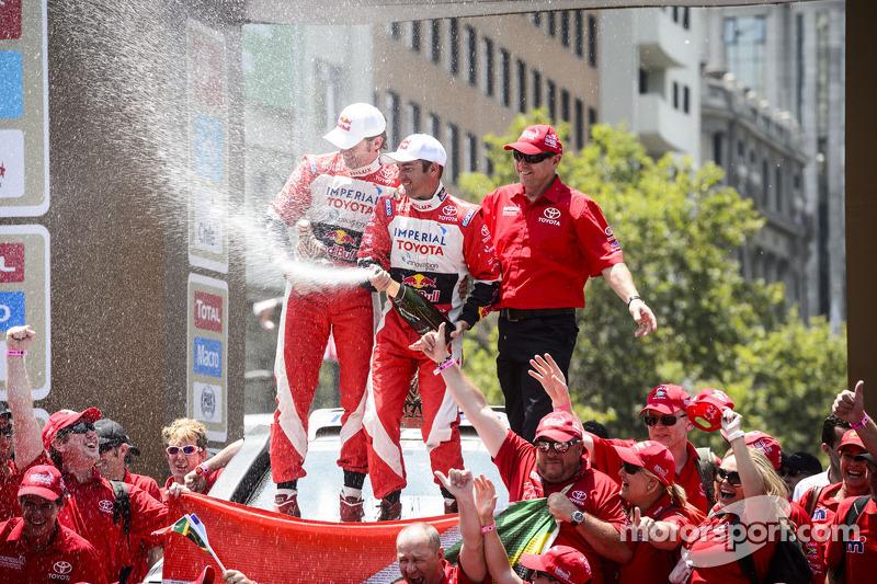 Car second place Giniel de Villiers and Dirk von Zitzewitz