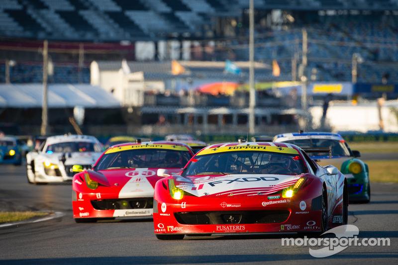 #69 AIM Autosport Team FXDD met Ferrari Ferrari 458: Emil Assentato, Anthony Lazzaro, Nick Longhi, Mark Wilkins