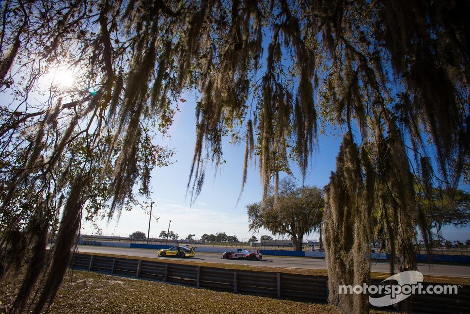 #11 JDX Racing Porsche 911 GT3 Cup: Mike Hedlund, Jan Heylen, Jon Fogarty and #6 Muscle Milk Pickett Racing HPD ARX-03c Honda: Lucas Luhr, Klaus Graf