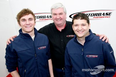 Motorbase Performance confirma pilotos