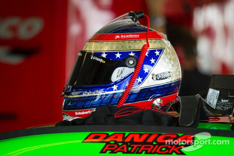 Helm milik Danica Patrick, Stewart-Haas Racing Chevrolet