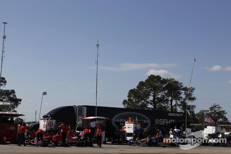 Scott Dixon, Chip Ganassi Racing and Charlie Kimball, Chip Ganassi Racing