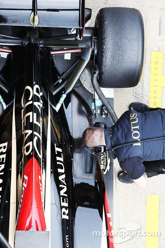 Lotus F1 E21 detalhe da tampa do motor