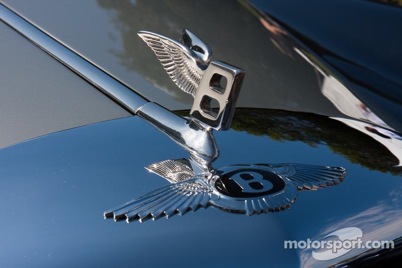 1960 Bentley S2 H.J. Mulliner Drophead Coupe