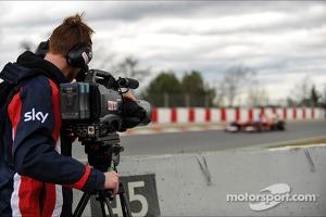 Sky F1 3D cameraman films Fernando Alonso, Ferrari F138