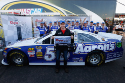 Polesitter Mark Martin, Michael Waltrip Racing Toyota