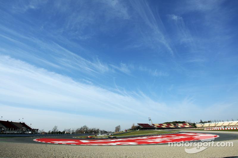 Paul di Resta, Sahara Force India VJM06 leads Jules Bianchi, Marussia F1 Team MR02