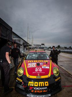 #30 NGT Motorsport Porsche 911 GT3 Cup: Henrique Cisneros, Christian Engelhart, Sean Edwards