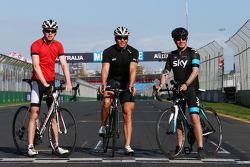 Paul di Resta, Sahara Force India F1 ve Sir Chris Hoy, Olympic Track Cycling Champion ve Martin Brundle, Sky Sports Sunucusu