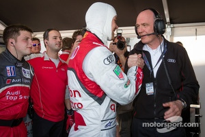 P1 and overall pole winner Marcel Fässler celebrates with Dr. Wolfgang Ullrich