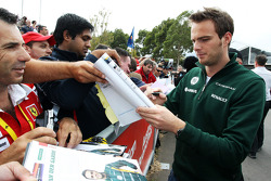 Giedo van der Garde, Caterham F1 Team signs autographs for the fans
