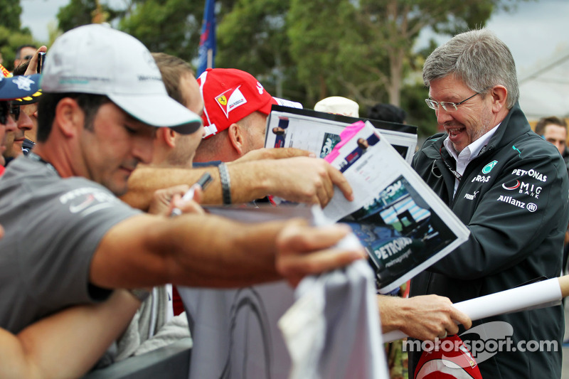 Ross Brawn, Mercedes AMG F1 Team Principal signs autographs for the fans