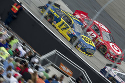 Ricky Stenhouse Jr., Roush Fenway Racing Ford, Juan Pablo Montoya, Earnhardt Ganassi Racing Chevrolet