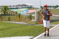 Rodolfo Gonzalez, Marussia F1 Team Reserve Driver runs the circuit