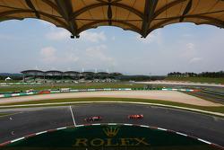 Sebastian Vettel, Red Bull Racing RB9 leads Felipe Massa, Ferrari F138