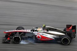 Sergio Perez, McLaren MP4-28 locks up under braking