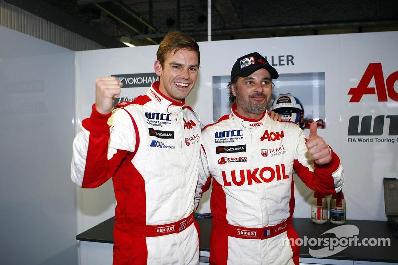 2e plaats Tom Chilton, Chevrolet Cruze 1.6 T, RML en Yvan Muller, Chevrolet Cruze 1.6T, RML pole position