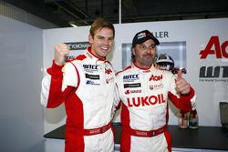 2nd position Tom Chilton, Chevrolet Cruze 1.6 T, RML and Yvan Muller, Chevrolet Cruze 1.6T, RML pole position