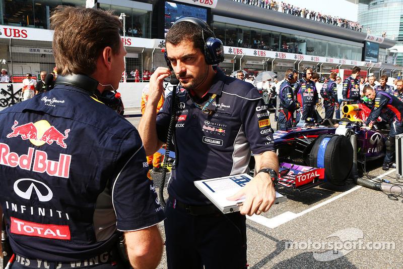 Christian Horner, Teambaas Red Bull Racing met Guillaume Rocquelin , Red Bull Racing Race Engineer o