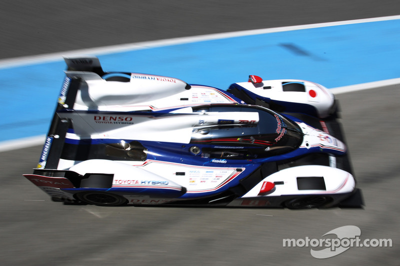 #8 Toyota Racing Toyota TS030-Hybrid: Anthony Davidson, Sebastien Buemi, Stéphane Sarrazin, Alexande