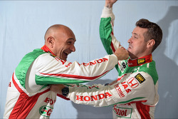 Gabriele Tarquini, Honda Civic, Honda Racing Team J.A.S.  en Tiago Monteiro, Honda Civic Super 2000 TC, Honda Racing Team Jas