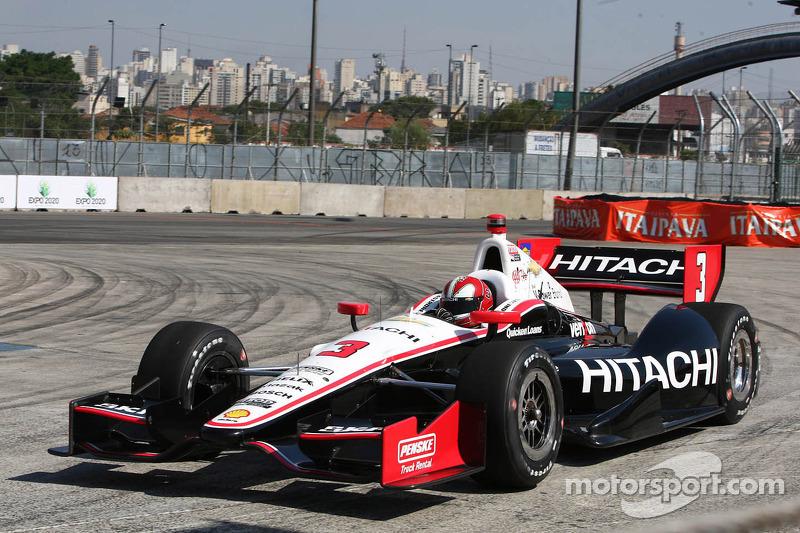 Único estreante a vencer duas Indy 500 seguidas (2001 e 2002)