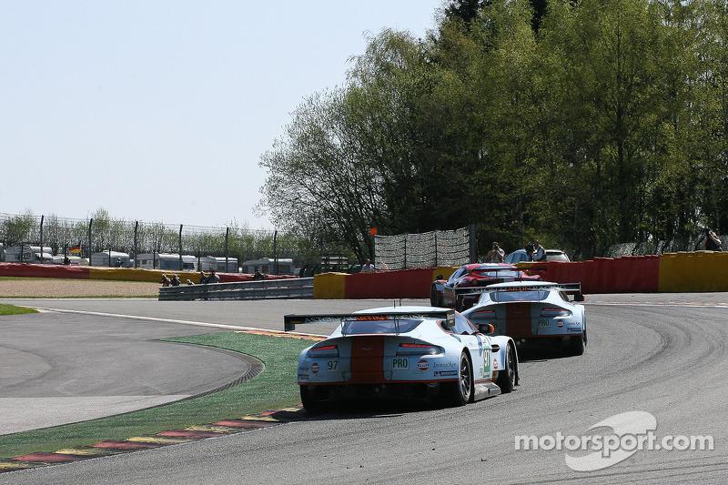 «Les Combes (o combate)»; Ferrari versus Aston Martin