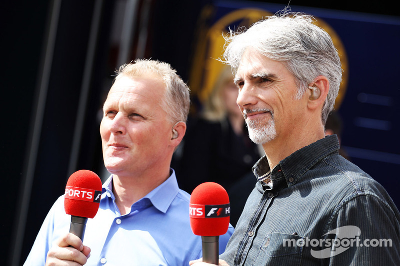 (L naar R): Johnny Herbert, Sky Sports-presentator met Damon Hill, Sky Sports-presentator