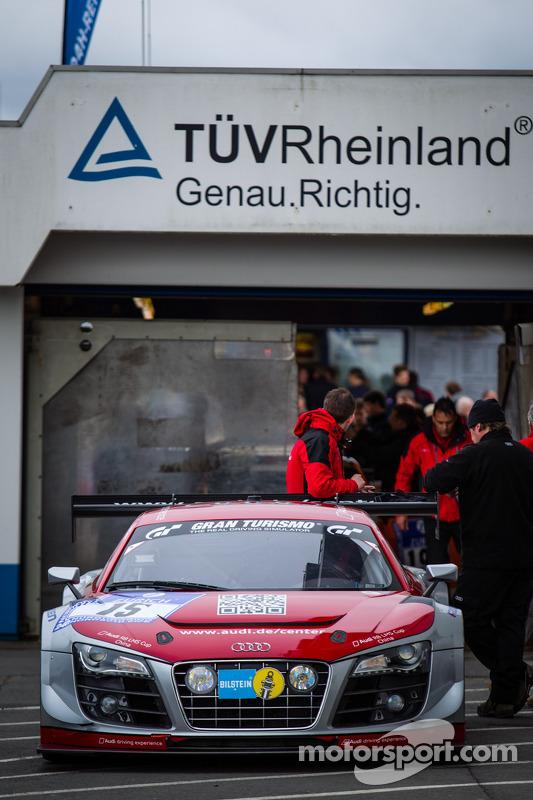 #15 Audi race experience Audi R8 LMS ultra (SP9) durante inspeção técnica