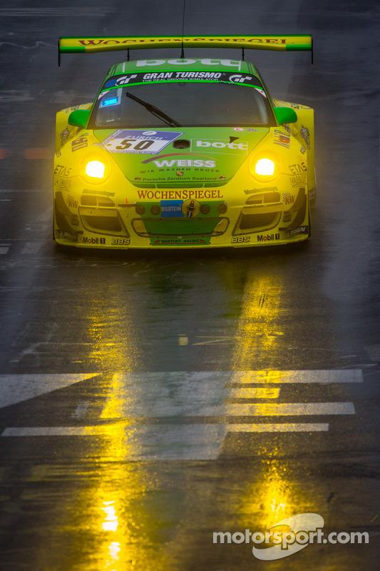 #50 Manthey-Racing Porsche 911 GT3 R (SP9): Marco Holzer, Nick Tandy, Jörg Bergmeister, Richard Liet
