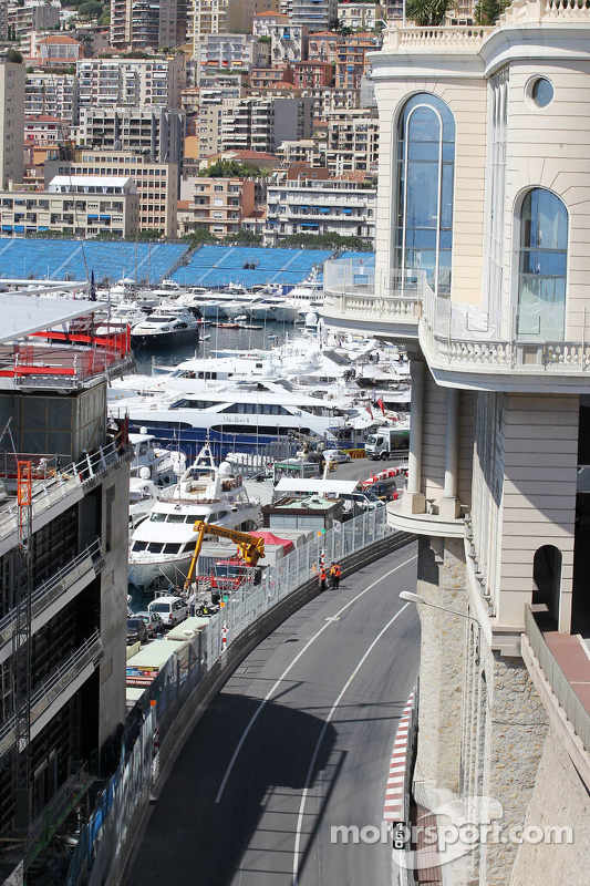 The view of the circuit as the cars exit the tunnel