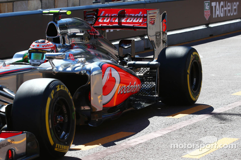 Sergio Perez, McLaren MP4-28 running sensor equipment at the rear suspension