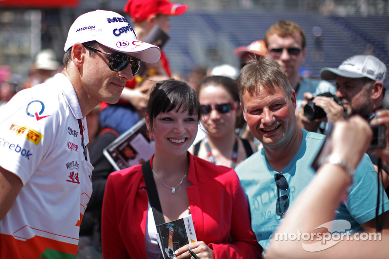 Adrian Sutil, Sahara Force India F1 met fans