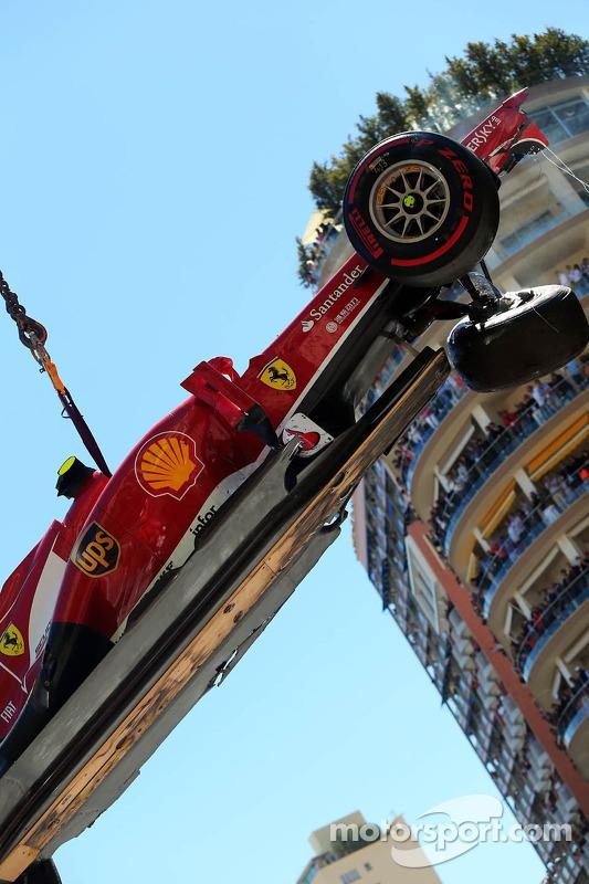 Felipe Massa, Ferrari F138 crashes at Ste Devote