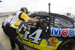 Race winner Tony Stewart, Stewart-Haas Racing Chevrolet celebrates
