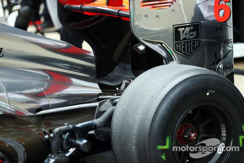 Sergio Perez, McLaren MP4-28 rear wing detail