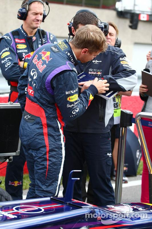 Sebastian Vettel, Red Bull Racing com Guillaume Rocquelin, Red Bull Racing Engenheiro de Corrida no