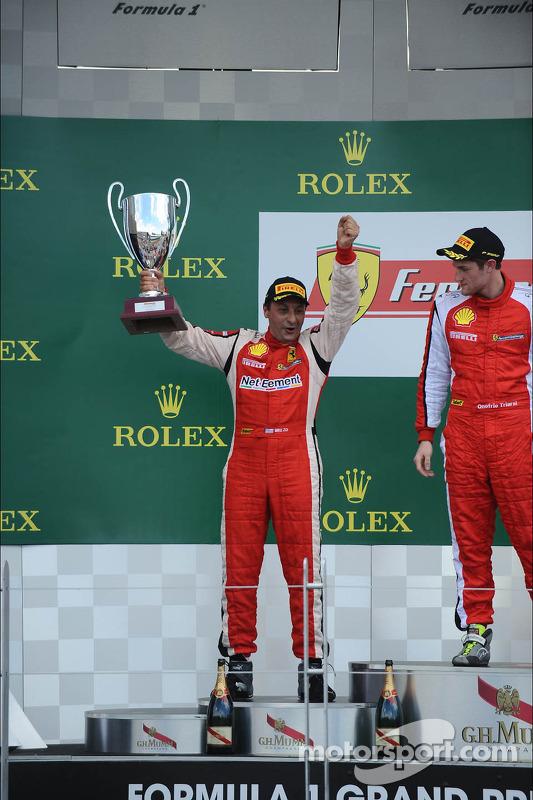 Trofeo Pirelli pódio: segundo colocado #8 Ferrari de Fort Lauderdale
