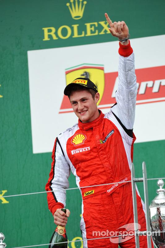 Trofeo Pirelli pódio: vencedor Onofrio Triarsi