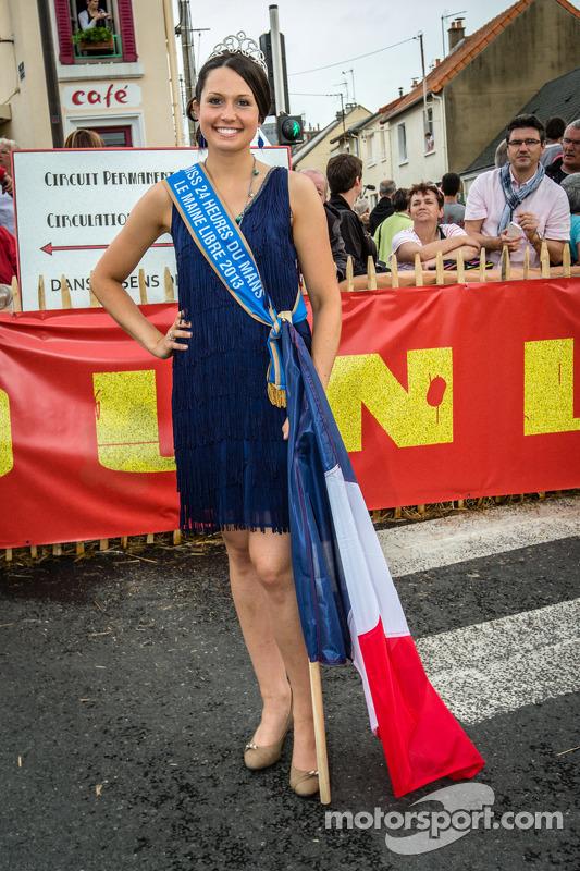 Pontlieue hairpin recreation event: Miss 24 Horas de Le Mans 2013
