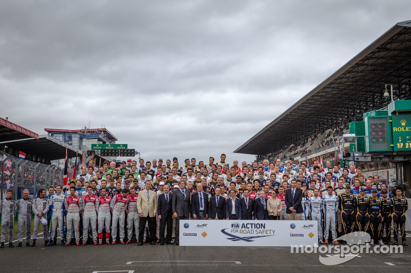 The traditional group shot of the 2013 24 Hours of Le Mans drivers