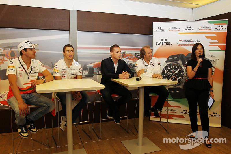 Adrian Sutil, Sahara Force India F1; Paul di Resta, Sahara Force India F1; Jordy Cobelens, CEO TW St