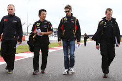 Romain Grosjean, Lotus F1 Team walks the circuit.